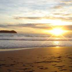 Beach sunset. Wilderness and Adventure Therapy for Young Adults. Pure Life in Costa Rica.