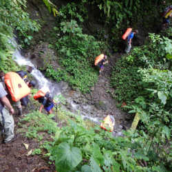 Students on trail. Wilderness and Adventure Therapy for Young Adults. Pure Life in Costa Rica.