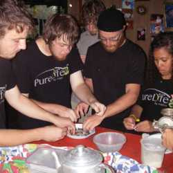 Students preparing food. Wilderness and Adventure Therapy for Young Adults. Pure Life in Costa Rica.